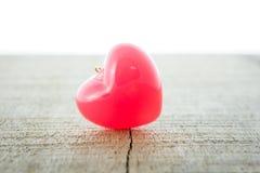 Röd hjärta för valentindagbakgrund arkivbilder
