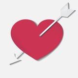 Röd hjärta med pilen Royaltyfria Bilder