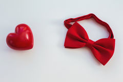 Röd hjärta och band Arkivbilder