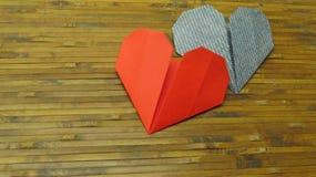 Röd hjärta och blåtthjärta royaltyfria foton