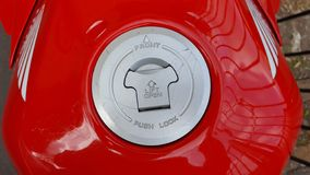 Röd Honda CBR 500 rr sportbike arkivfoto