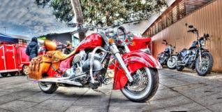 Röd indisk motorcykel Arkivfoton