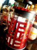 Röd kaffekokkärl: Kinesiskt nytt år Arkivfoto