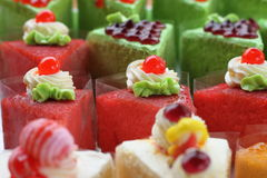 Röd kaka och röd gelé Arkivfoton