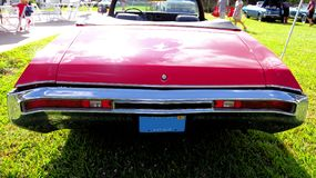 Röd konvertibel buick royaltyfri foto