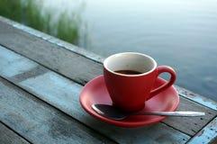 Röd kopp för kaffe Arkivfoto