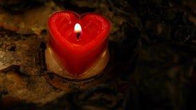 Röd längd i fot räknat för hd för hjärtastearinljusaska