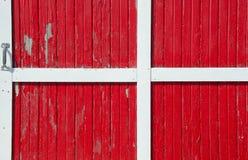 Röd ladugårddörr Fotografering för Bildbyråer