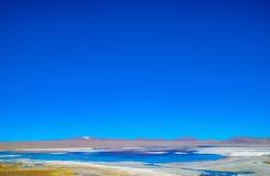 Röd lagun, Eduardo Avaroa Andean Fauna National reserv, Bolivia Arkivfoton