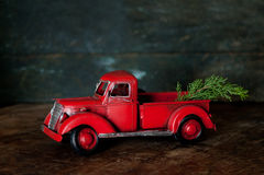 Röd lastbil för tappning Arkivbild