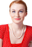 röd le kvinna för D-stående Arkivfoto