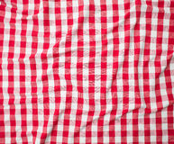 Röd linne skrynklig bordduktextur Royaltyfri Foto