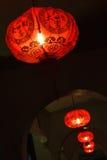 Röd lykta, symbol av asiatisk kultur arkivfoton
