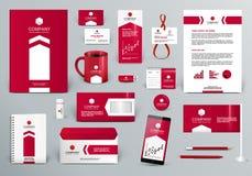 Röd mall för företags identitet med pilen Arkivfoton
