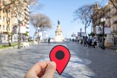Röd markör i den Rambla novagatan, Tarragona, Spanien royaltyfria foton