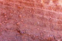 Röd naturlig vägg av lava Royaltyfri Fotografi