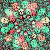 Röd och grön kuslig allhelgonaaftonbakgrund med glänsande skallar Arkivfoto