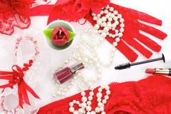 Röd och vit romantisk tillbehör Fotografering för Bildbyråer