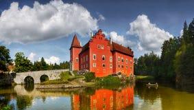 Röd panorama för slottCervena Lhota gränsmärke Arkivbilder