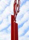 Röd pol med himmel Royaltyfri Foto