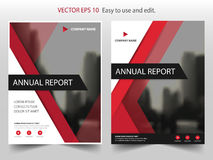 Röd reklamblad för broschyr för årsrapport för triangelvektorbroschyr royaltyfri illustrationer