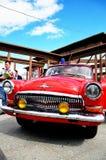 Röd retro bil Royaltyfri Bild