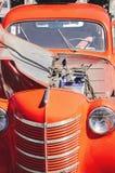 Röd retro bil, närbild, selektiv fokus royaltyfri bild