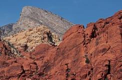röd rock Arkivfoton