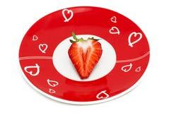 röd romantisk jordgubbe för deliciously half platta Royaltyfri Fotografi