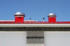 röd rooftop Royaltyfri Bild