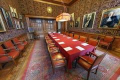 Röd ruminternationell domstol royaltyfri fotografi