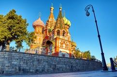 röd s fyrkantig st för basilikadomkyrka Royaltyfri Bild