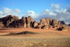 Röd sand i Wadi Rum arkivbild