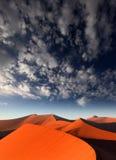 Röd sanddyn, Sossusvlei, Namibia Royaltyfri Foto