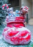 Röd Santa Claus känga och leksaker royaltyfria bilder