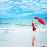 röd sarongkvinna Royaltyfria Bilder
