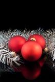 röd satäng tre för bolljul Royaltyfri Foto