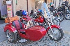 Röd sidecar Harley Davidson Arkivfoto