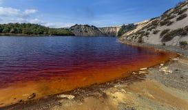Röd sjö 08 Arkivbilder