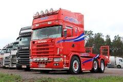 Röd Skåne lastbiltraktor Fotografering för Bildbyråer