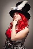 röd slitage kvinna för attraktiv hatt för kaninöra haired Arkivfoto
