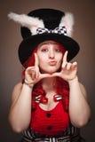 röd slitage kvinna för attraktiv hatt för kaninöra haired Royaltyfria Foton