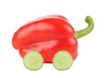 Röd spansk peppar gillar en bil Arkivfoto