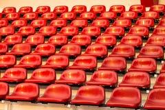 Röd stadionstol, Bangkok i Thailand Arkivbild
