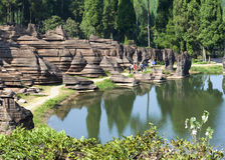 Röd stenskoggeologi parkerar i det hunan landskapet, Kina Fotografering för Bildbyråer