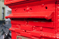Röd stolpeask Arkivbilder