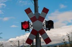 Röd stopplampa för järnväg royaltyfria foton