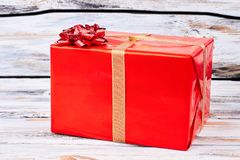 Röd stor julgåvaask fotografering för bildbyråer