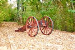 Röd stor kanon Arkivbild