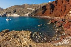 Röd strand Santorini Royaltyfri Foto